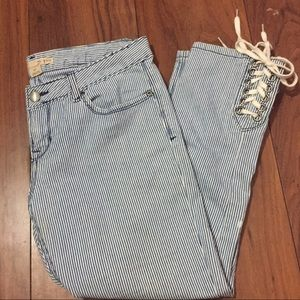 Forever 21 denim cropped jeans